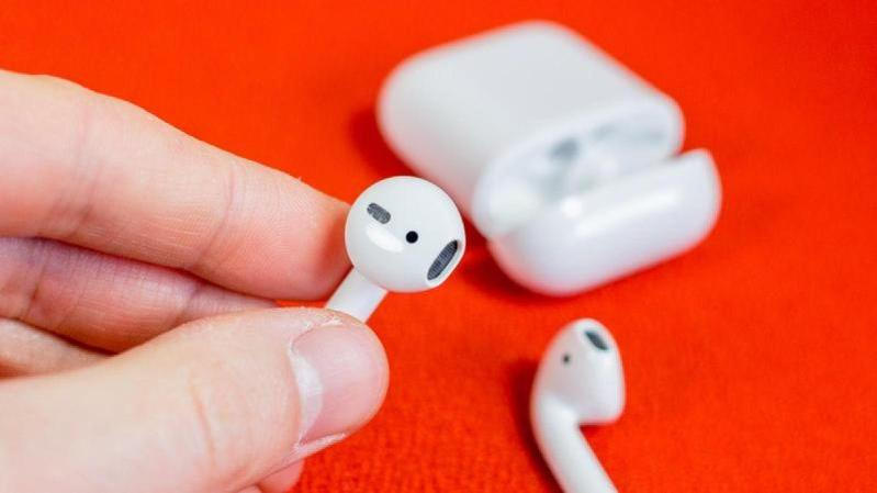 11apple airpods